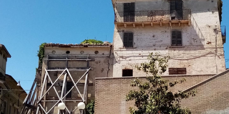Palazzo Cavacini da ristrutturare